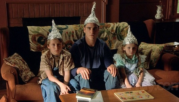 signs-tinfoil-hats-e1436708418945